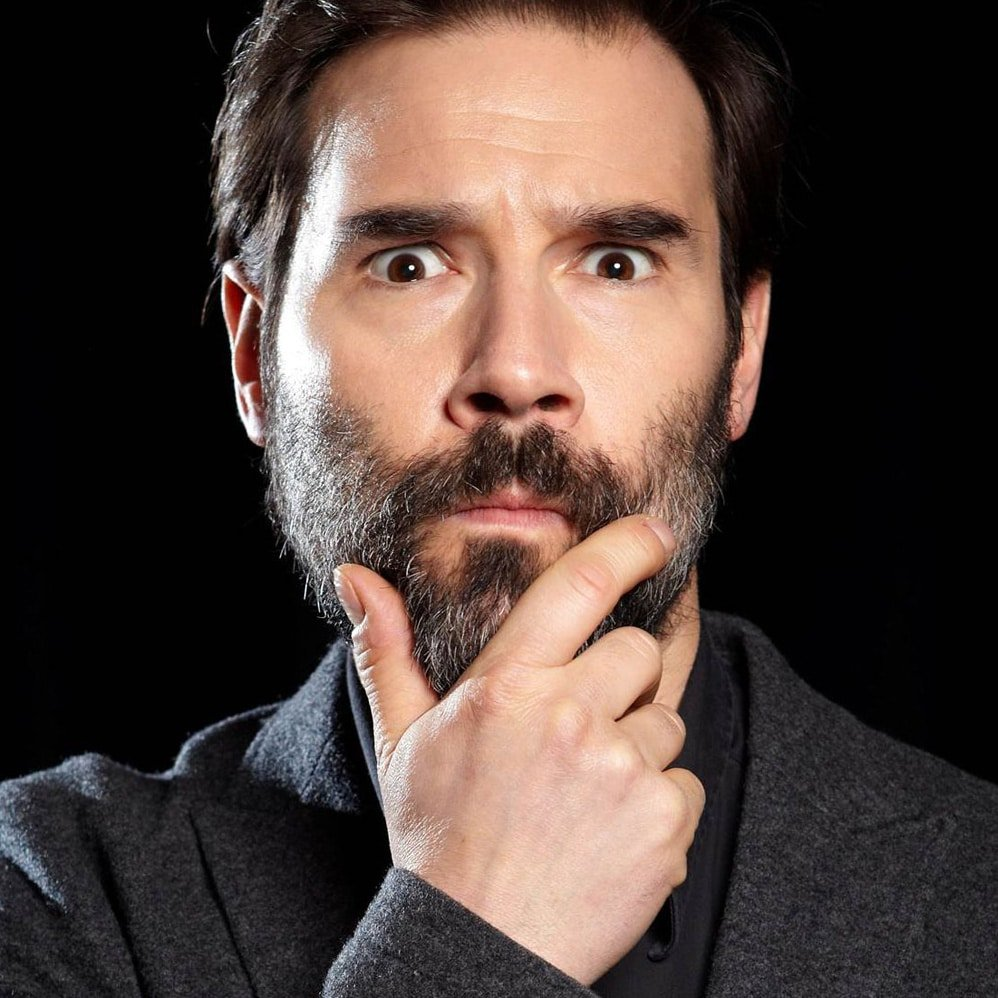Adam-Buxton-entertainment-corproate-awards-host-comedian-at-Great-British-Speakers