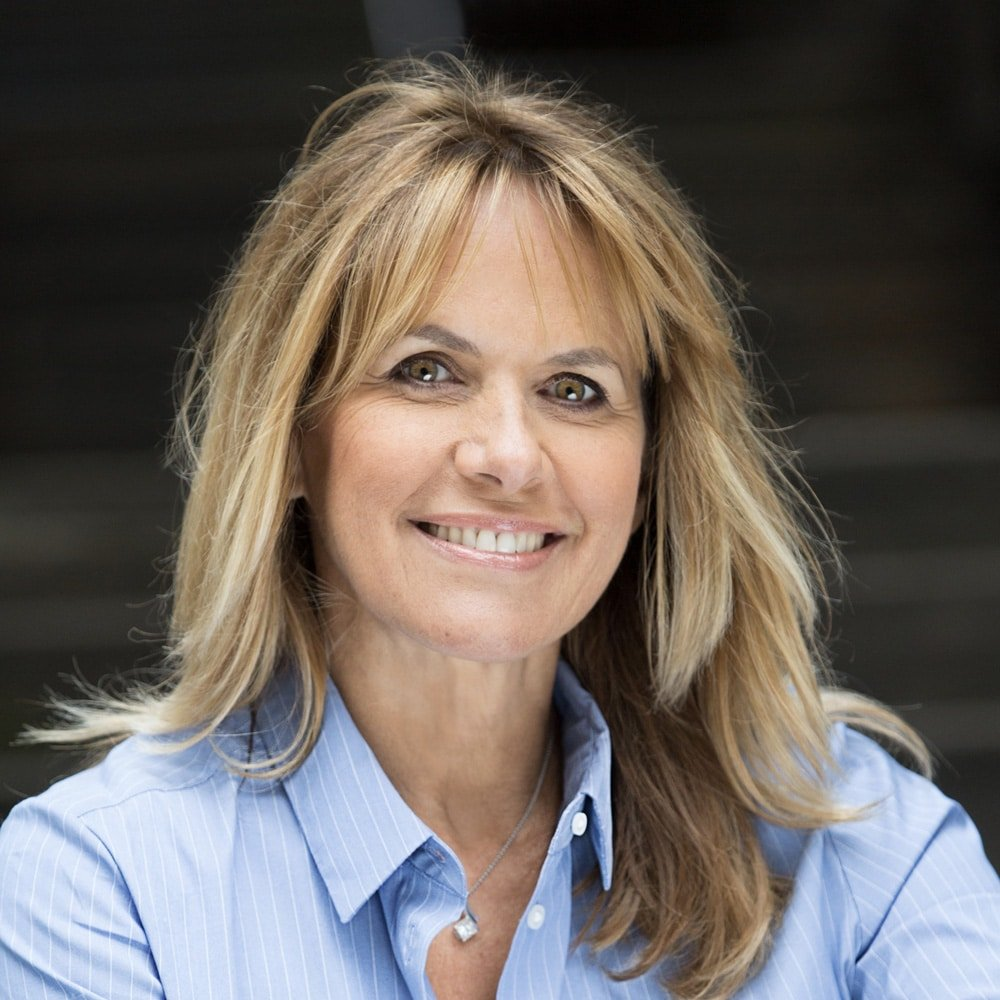 Carol-Smillie-property-lifestyle-presenter-at-Great-British-Presenters