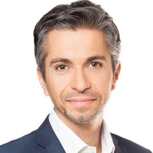 Cris-experienced-English-legal-law-expert-TV-presenter-at-Great-British-Presenters