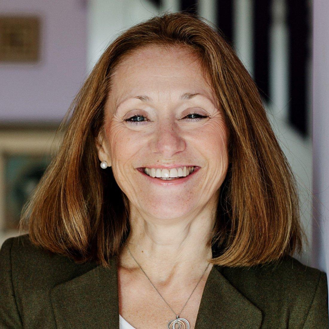 Dr-Lynda-Shaw-neuroscientist-psychologist-entrepreneur-speaker-at-Great-British-Speakers