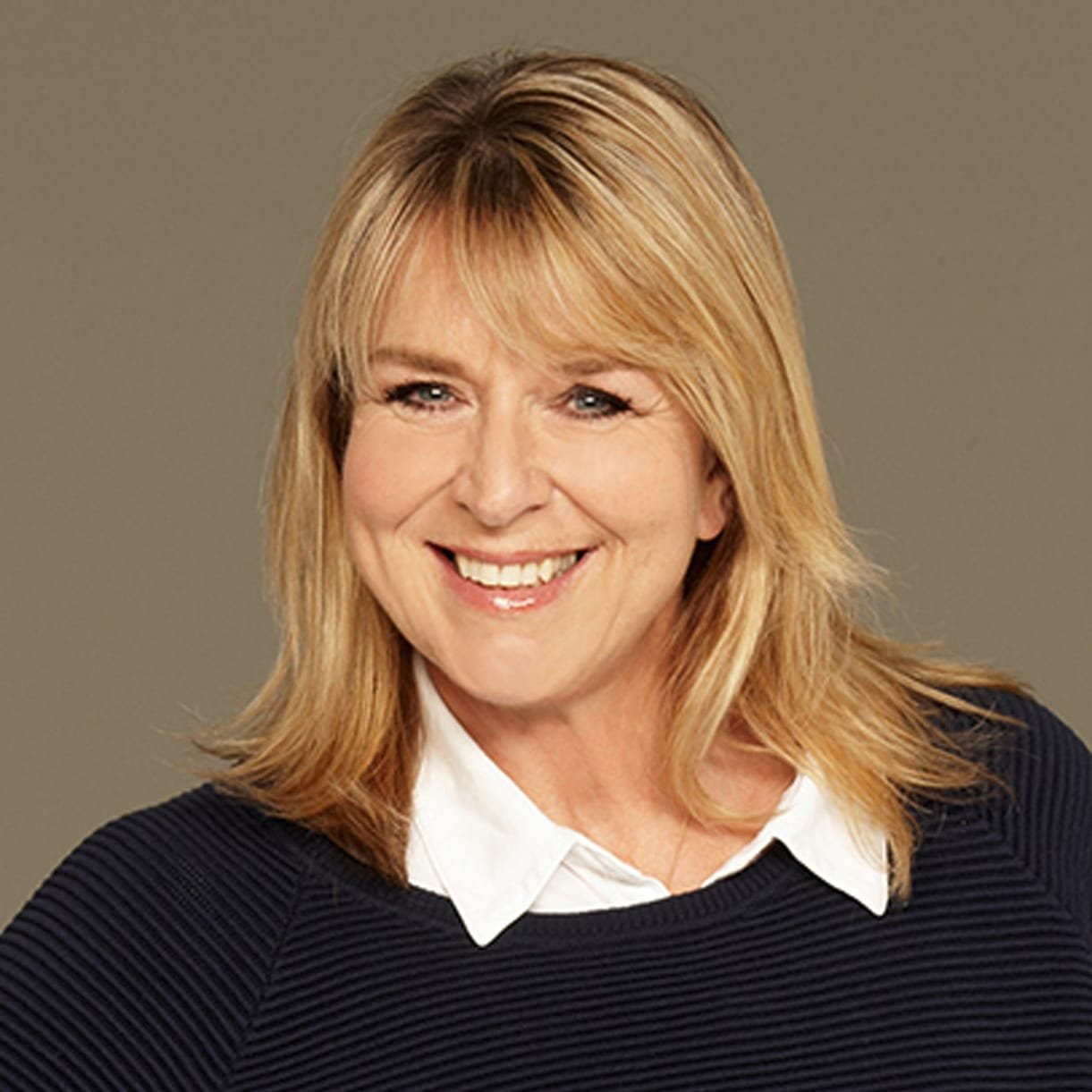Fern-Britton-Presenter-broadcaster-awards-TV-host-at-Great-British-Speakers