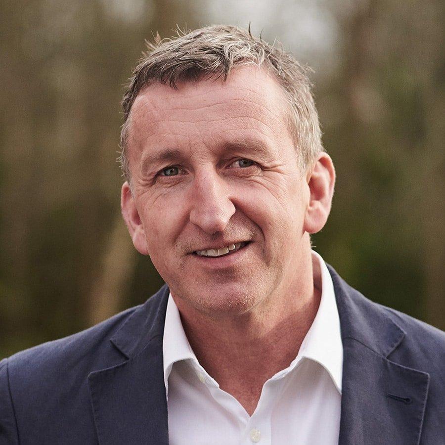 Mark-Denton-Leadership-teamwork-resilience-speaker-coach-BT-Global-Challenge-yacht-race-at-Great-British-Speakers