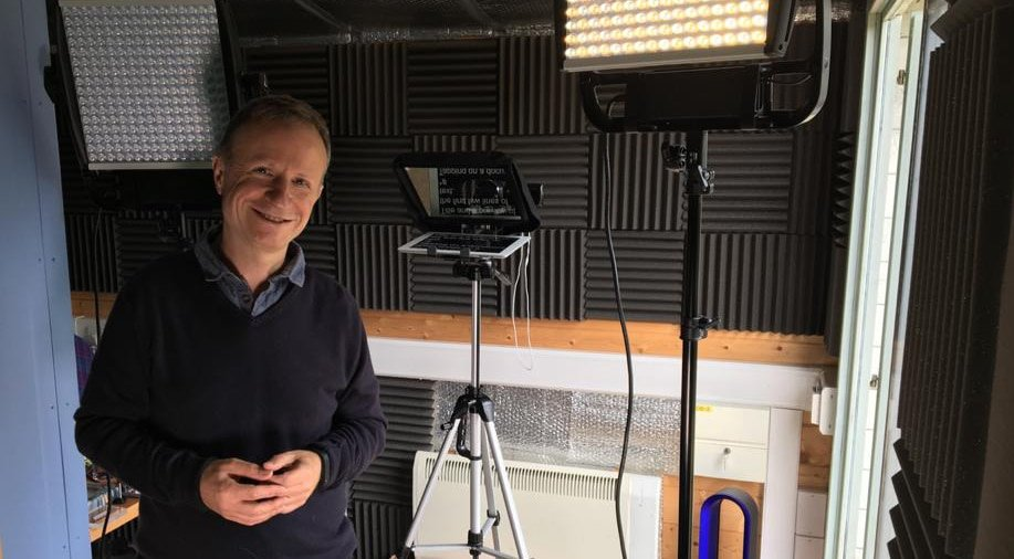 Mark Ryes Experienced male live host TV video presenter voice over with studio at Great British Presenters