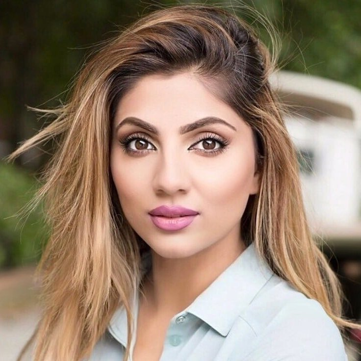 Mehreen-Baig-Brand-Ambassador-host-speaker-Arts-Culture-Asian-affairs-health-wellness-Muslim-fashion-culture-current-affairs-at-Great-British-Speakers