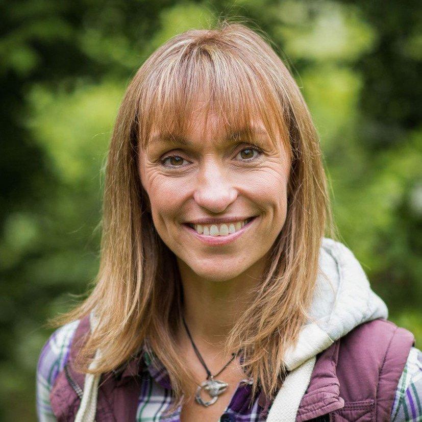 Michaela-Strachan-BAFTA-award-winning-wildlife-TV-presenter-Springwatch-author-speaker-at-Great-British-Speakers