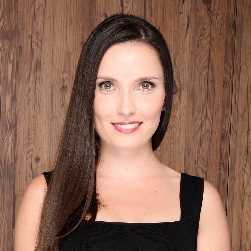 Mounia Berrada Gouzi Multi Lingual host moderator German French Spanish English TV Presenter Great British Presenters