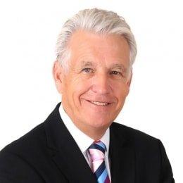 Nicholas-Owen-respected-award-winning-news-broadcaster-presenter-host-at-Great-British-Speakers