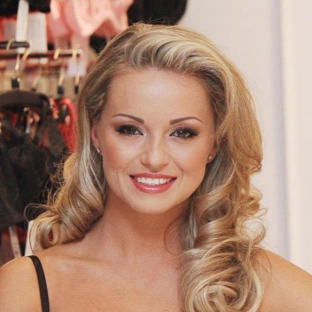 Ola-Jordan-celebrity-dancer-coach-host-at-Great-British-Speakers