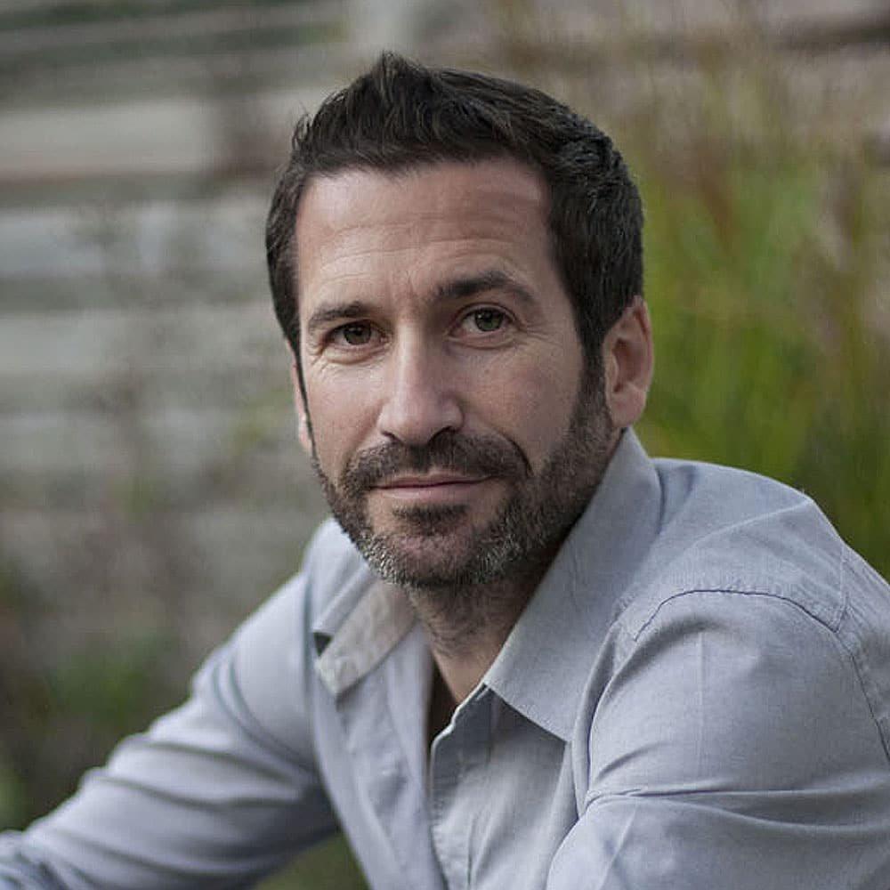 Oliver-Heath-sustainable-living-eco-environmantally-architect-TV-presenter-speaker-host-at-Great-British-Speakers