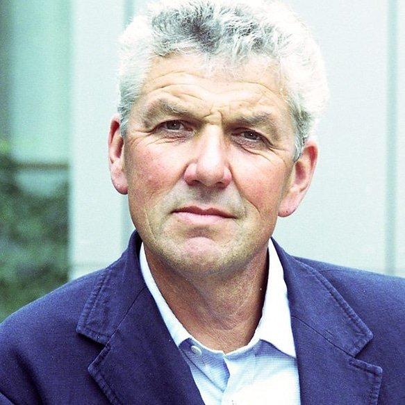Paul-Heiney-ITV-Countrywise-presenter-speaker-organic-farmer-sailor-writer-at-Great-British-Speakers