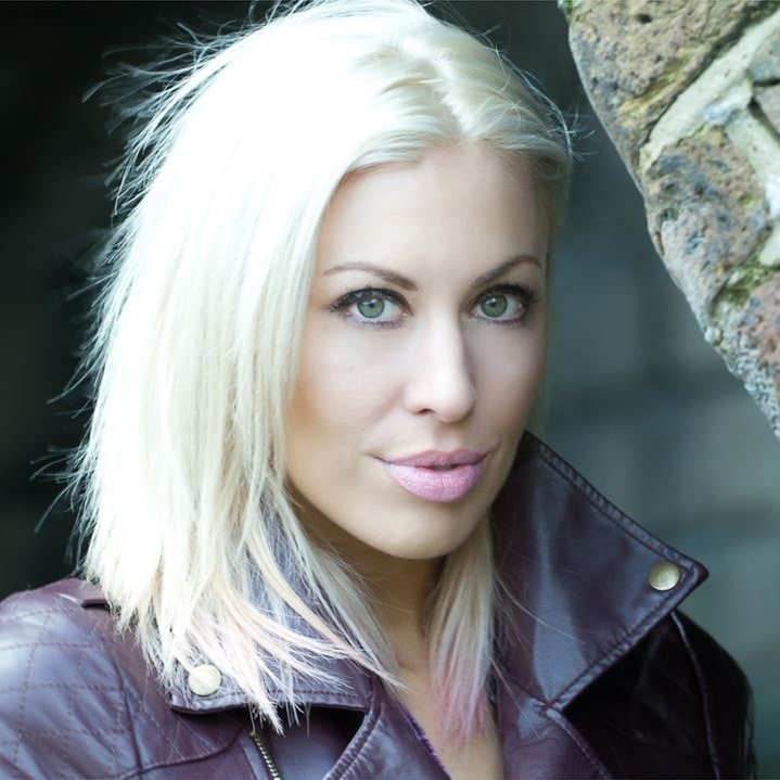 hire Rachael Downie for your next corporate event or video