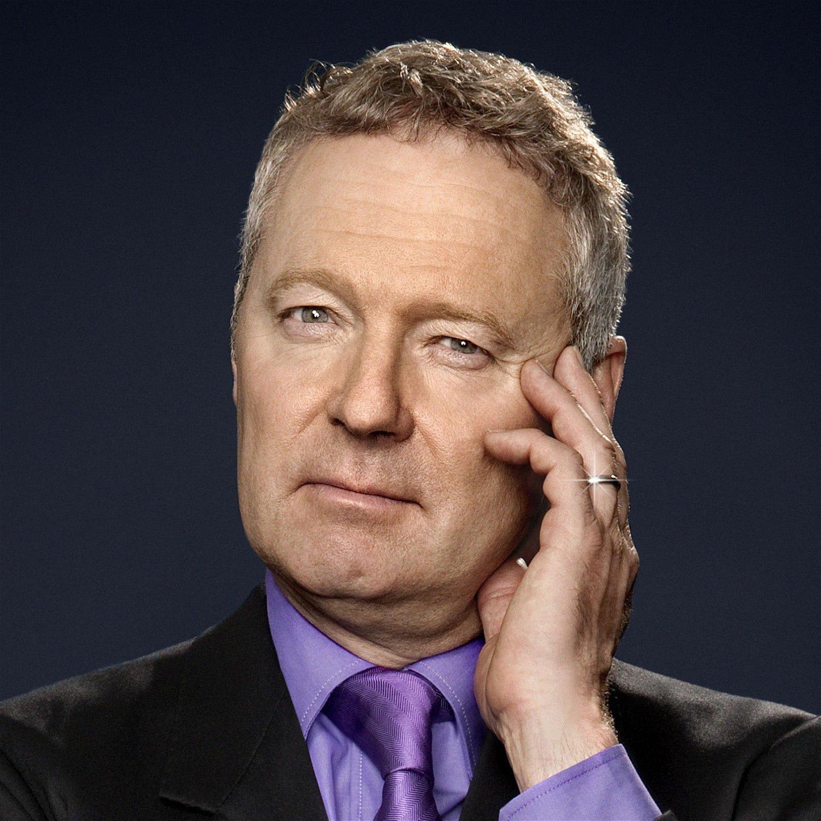 Rory-Bremner-stand-up-comedian-awards-host-after-dinner-speaker-inpressionist-at-Great-British-Speaker