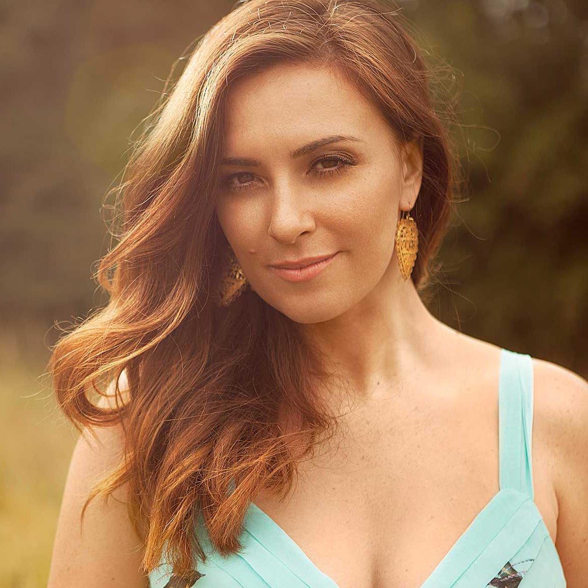 Sara-Damergi-Property-presenter-host-entrepreneur-at-Great-British-Speakers