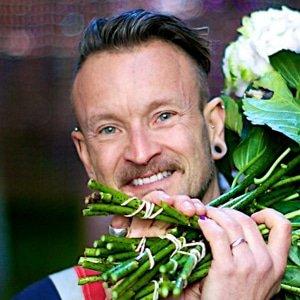 Simon-J-Lycett-Royal-florist-speaker-presenter-host-at-Great-British-Speakers