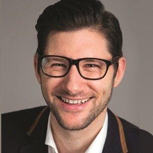 Simon-Robertson-event-game-show-host-entertainer-TV-presenter-at-Great-British-Presenters