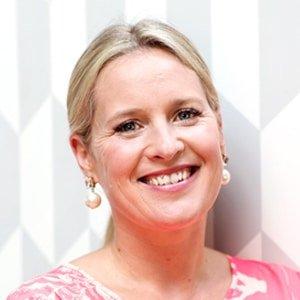 Sophie-Robinson-interior-designer-expert-style-TV-presenter-at-Great-British-Speakers