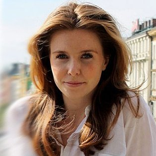 Stacey-Dooley-English-investigative-documentry-reporter-presenter-ethical-TV-at-Great-British-Speakers