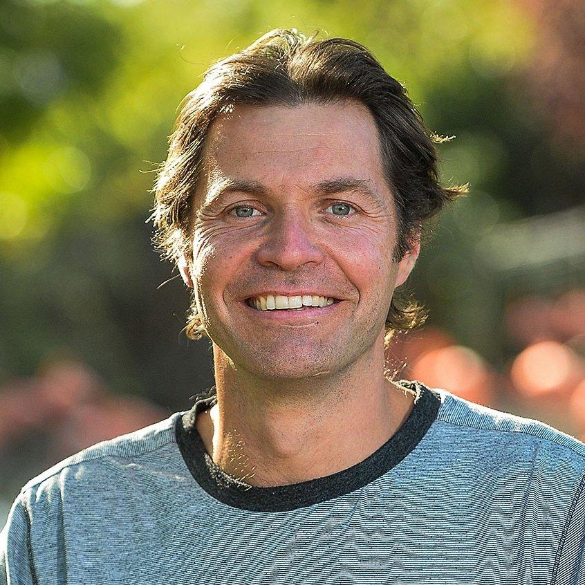 Steve-Leonard-TV-vet-presenter-speaker-at-Great-British-Speakers