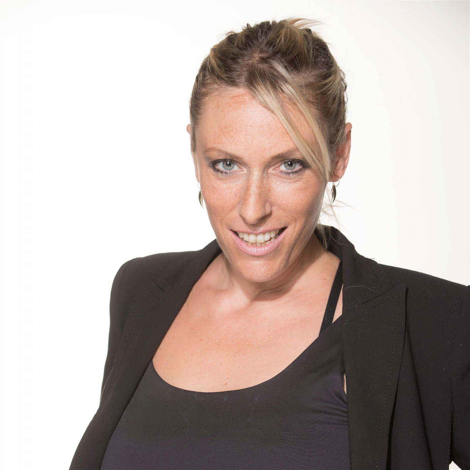 kate-l-british-voiceover-artist-and-presenter