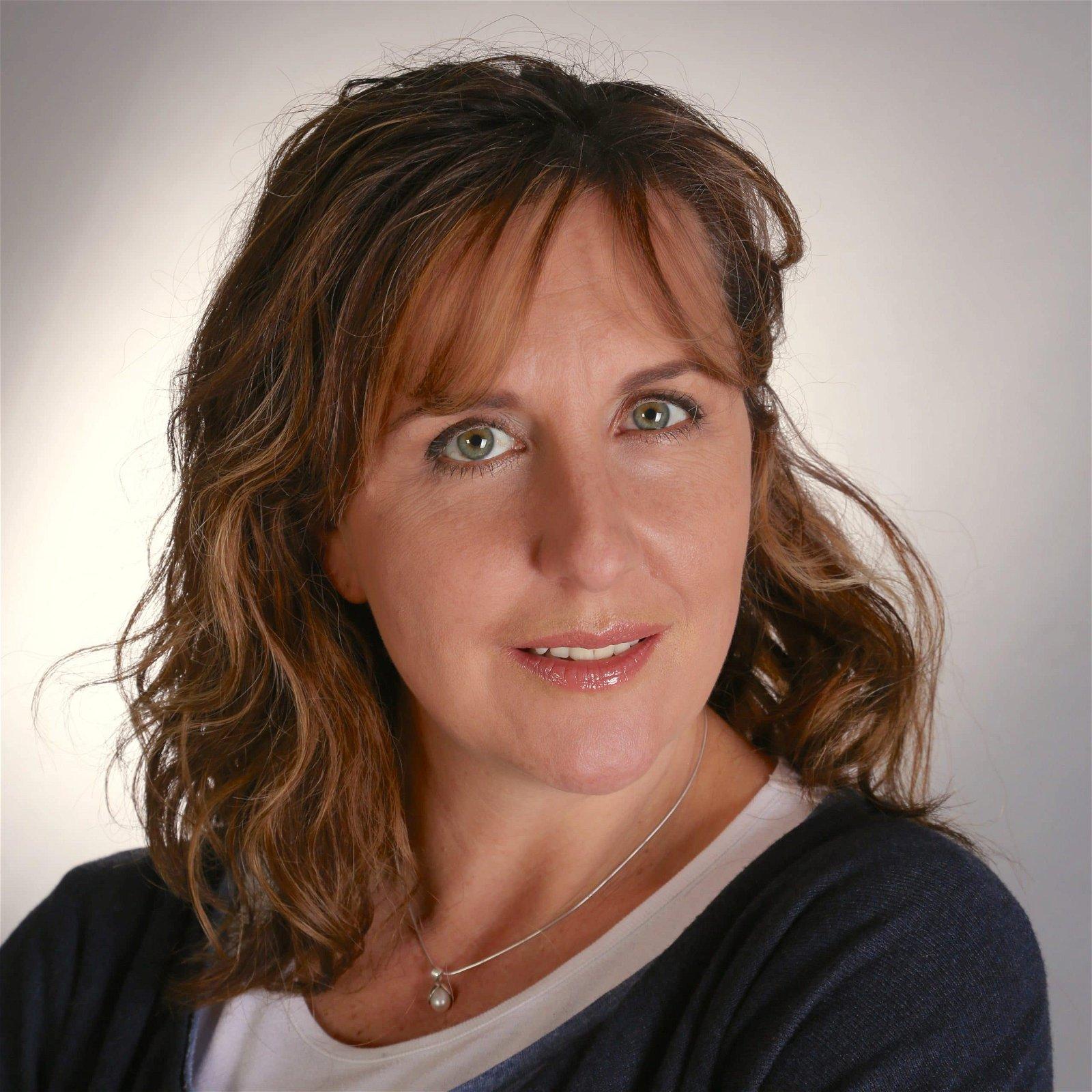 hire-katy-m-british-voiceover-artist