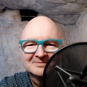 hire-british-voiceover-artist-russell