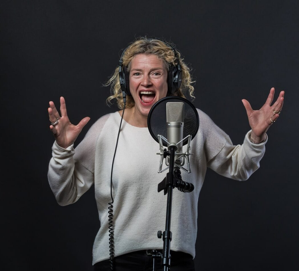 hire-british-vo-and-live-announcer-verity