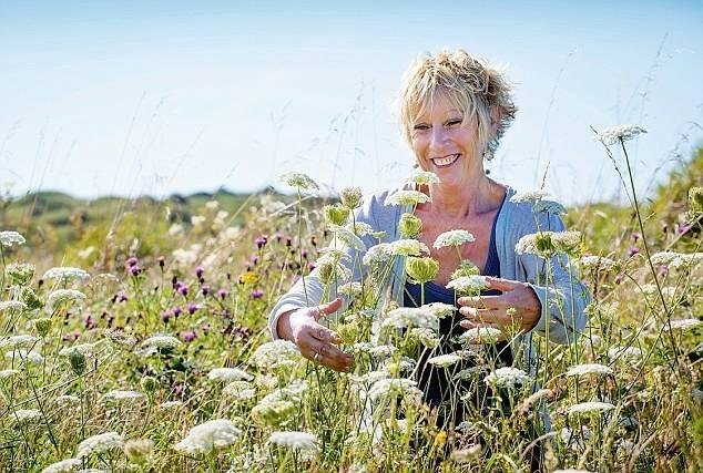 Carol Klein English cottage gardener designer broadcaster speaker at Great British Speakers