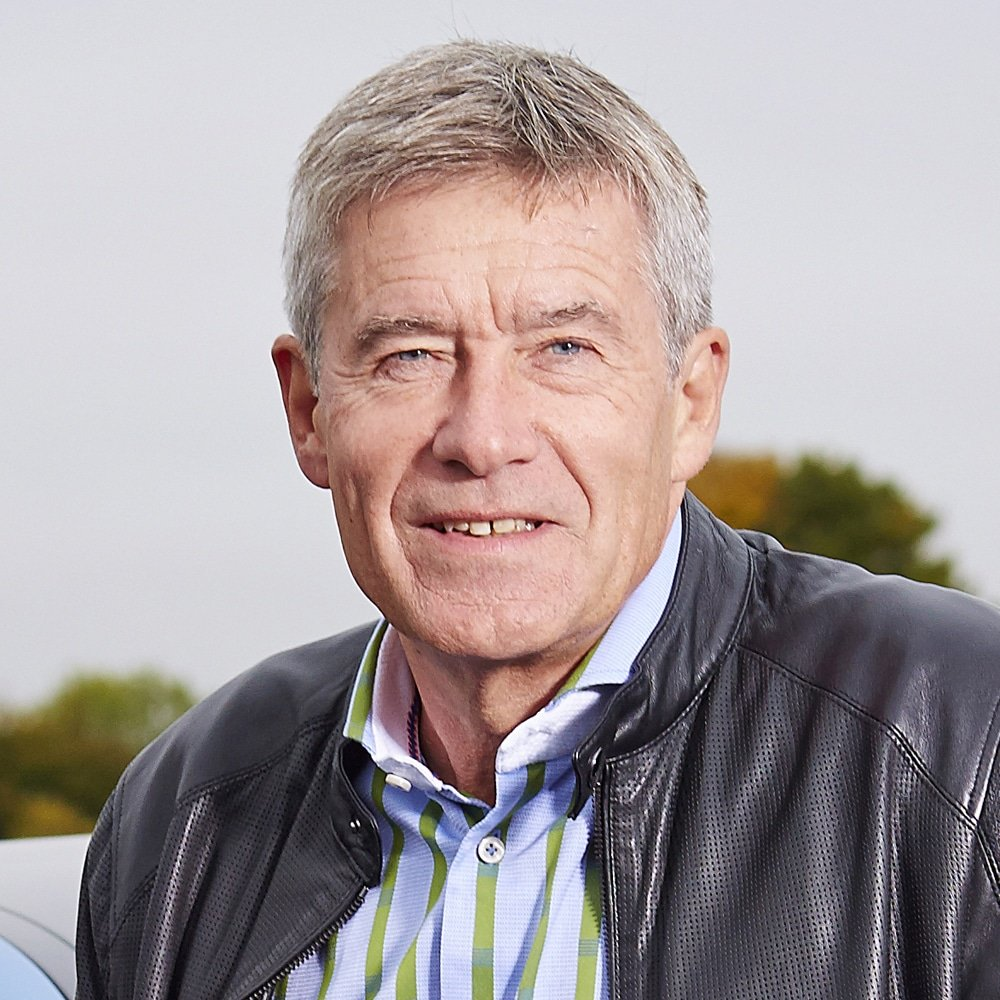 GBS-Tiff-Needell-English-motoring-car-driving-racing-driver-presenter-5th-gear-speaker-host-writer-at-Great-British-Speakers